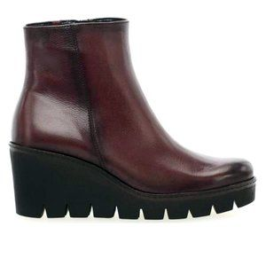 New (no tags) Gabor Utopia Wedge Ankle boot, 6.5